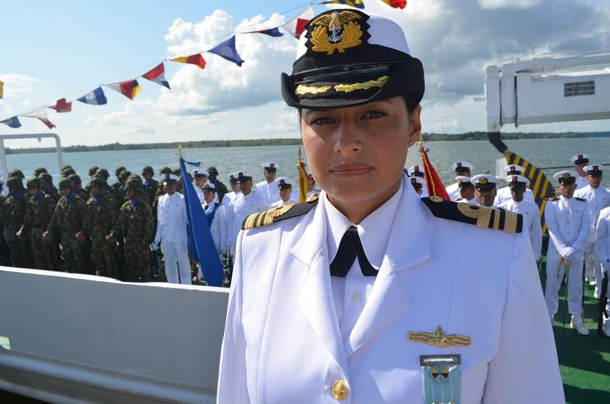señora Capitán de Corbeta Jenny Alexandra Camacho Torres