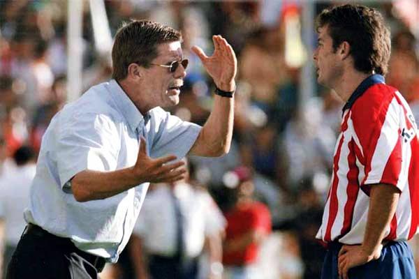 Hans Westerhof podría tener una tercera oportunidad de dirigir a las Chivas.