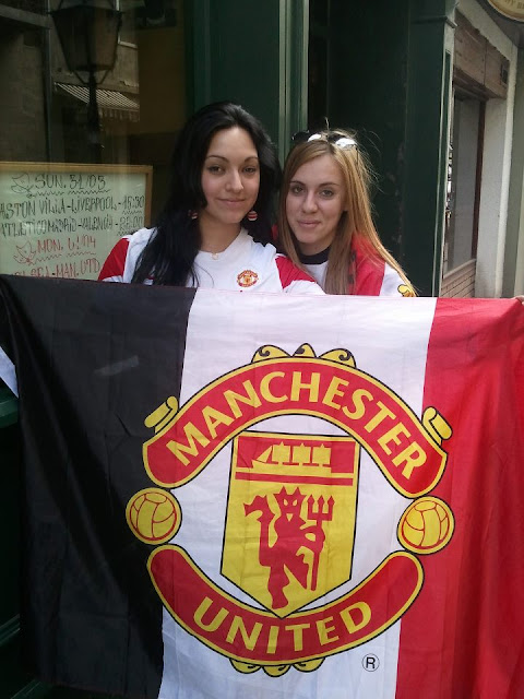 2 Manchester United girls in Bulgaria