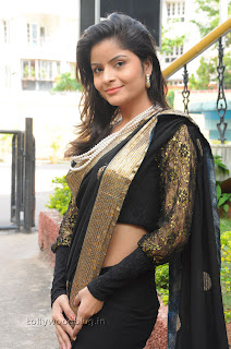 Gehana Vasista in black saree Pictures 007.jpg