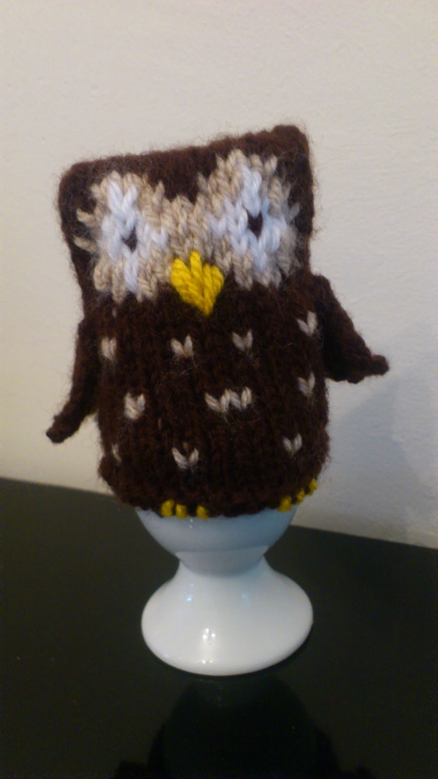 Owl In Stitches: Free Knitting Pattern Owl Egg Cosy