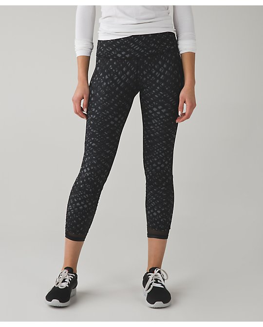 lululemon cross-me-crop