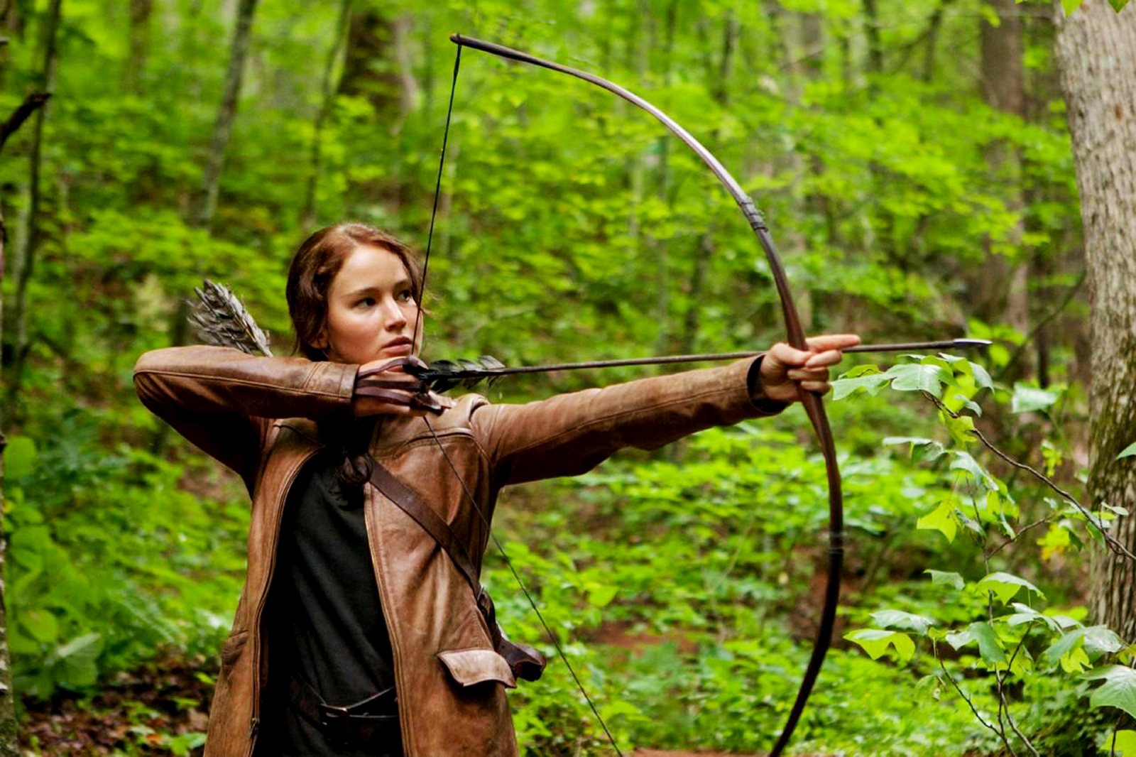 http://3.bp.blogspot.com/-x9r2SFU3nTM/T3BY9I4HXYI/AAAAAAAABAs/BrQG2e31VX0/s1600/The_Hunger_Games_Character_Archer_Katniss_Jenna_Lawrence_HD_Wallpaper-Vvallpaper.Net.jpg