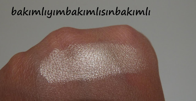 mary loumanizer swatch blog the balm