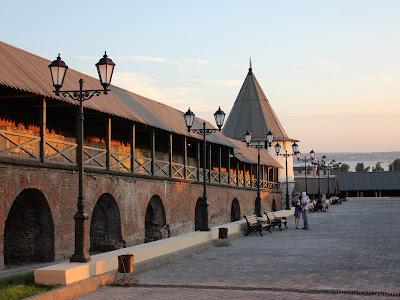Прясло южной стены и Юго-Западная круглая башня Казанского кремля