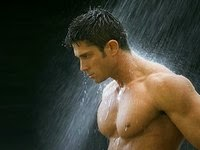 Качек под дождем. Или под душем? Короче - мокрый качек!