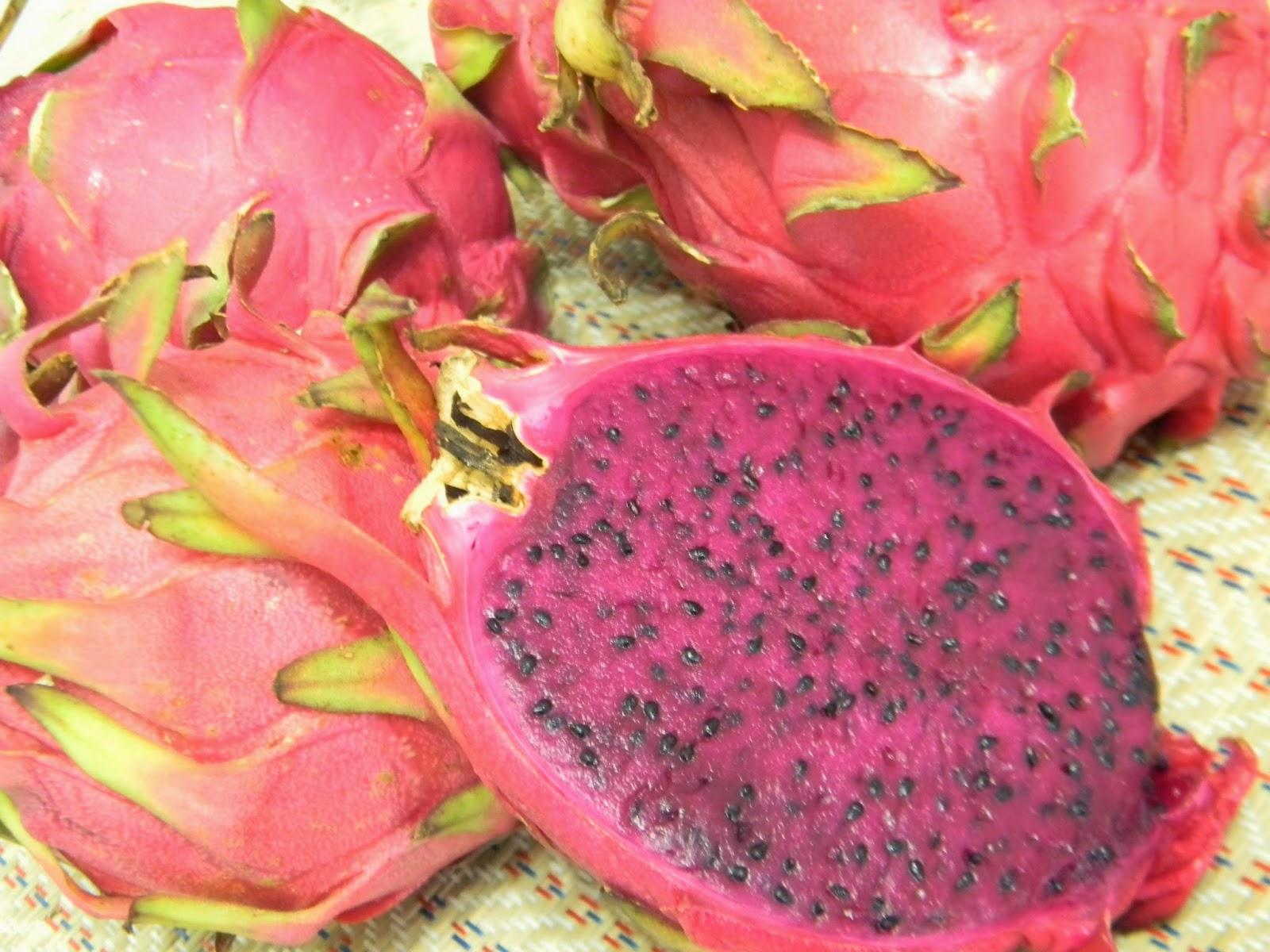 dragon fruit fruit crumble