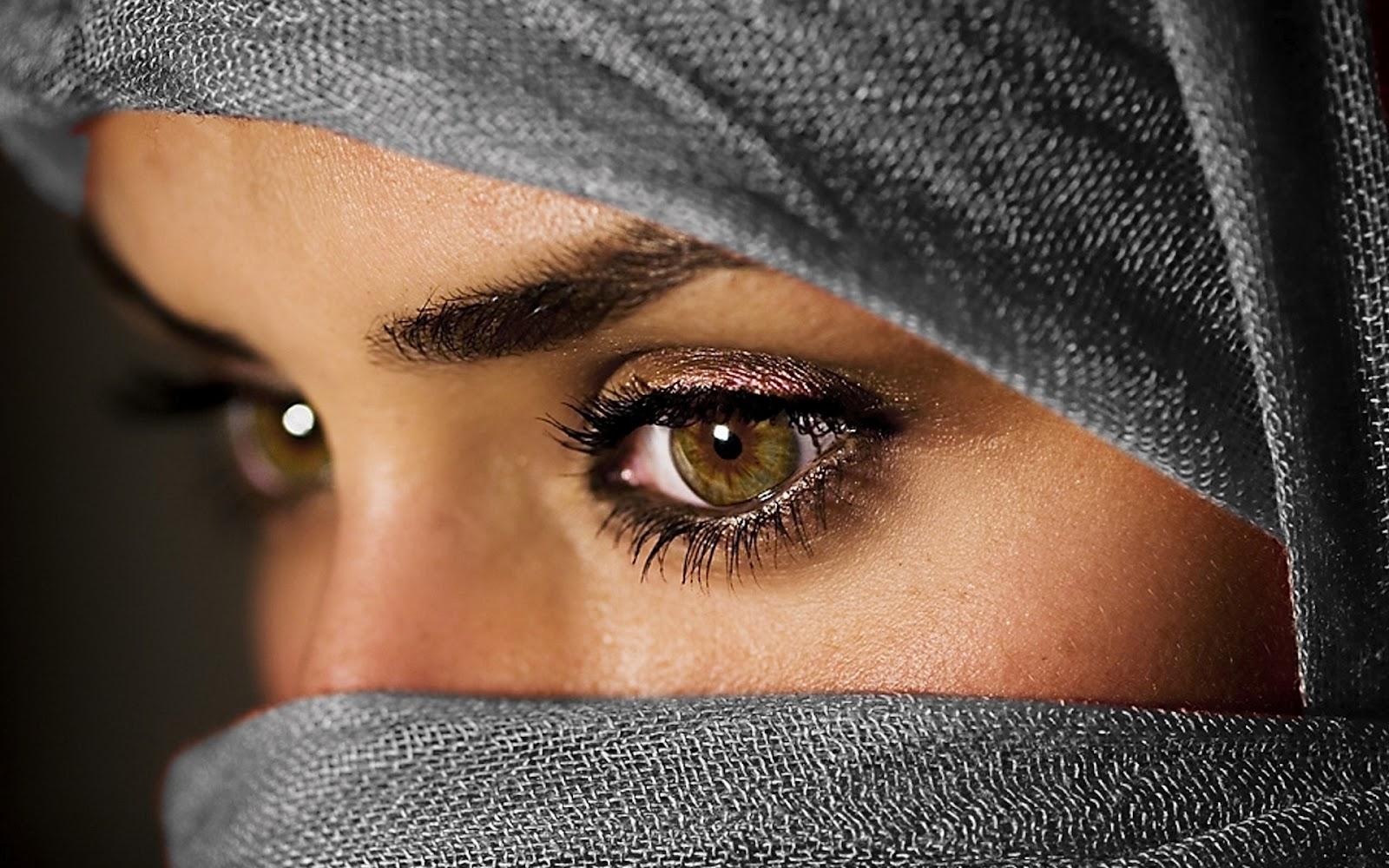 http://3.bp.blogspot.com/-xBgQmuhl02A/T4RC6B_WlXI/AAAAAAAAAyM/rJd4OhR0ehA/s1600/beautiful+eyes+girl.jpg