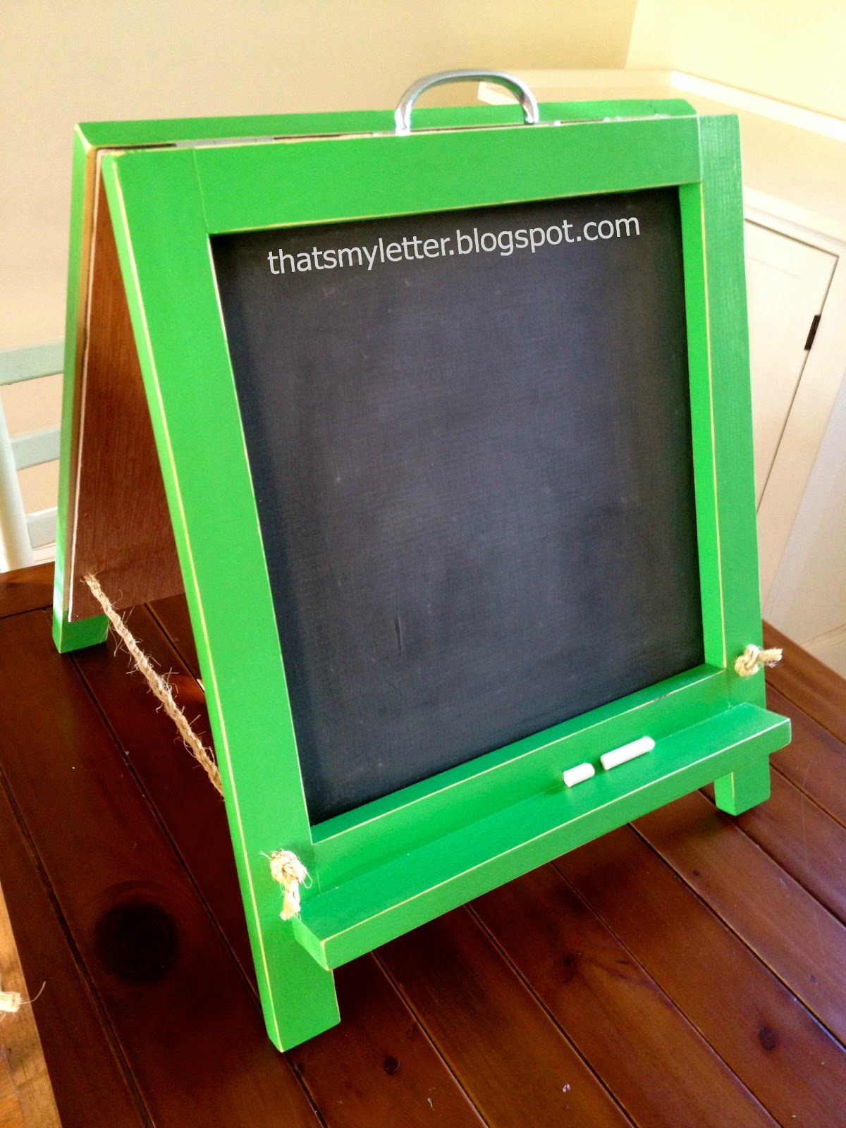 That's My Letter: DIY Tabletop Chalkboard Easel