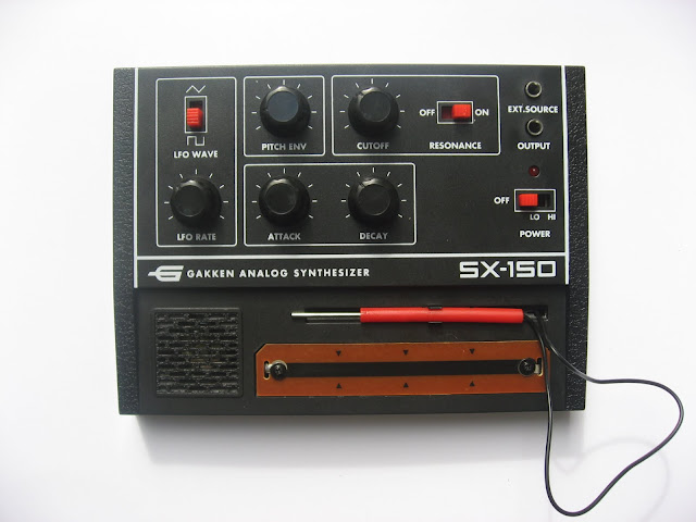 Gakken SX-150 synth