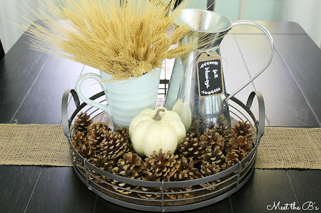 Rustic farmhouse fall vignette. Tips for creating a simple vignette using objects from your home.
