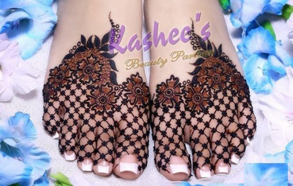 New Flower Mehndi : Stylish and cute mehndi designs fashionip