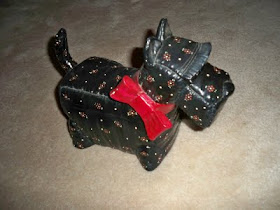 ~  Click on the Scottie dog to see my Daisy Cottage photos