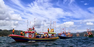 Balap Perahu Meriahkan Festival Selat Lembah