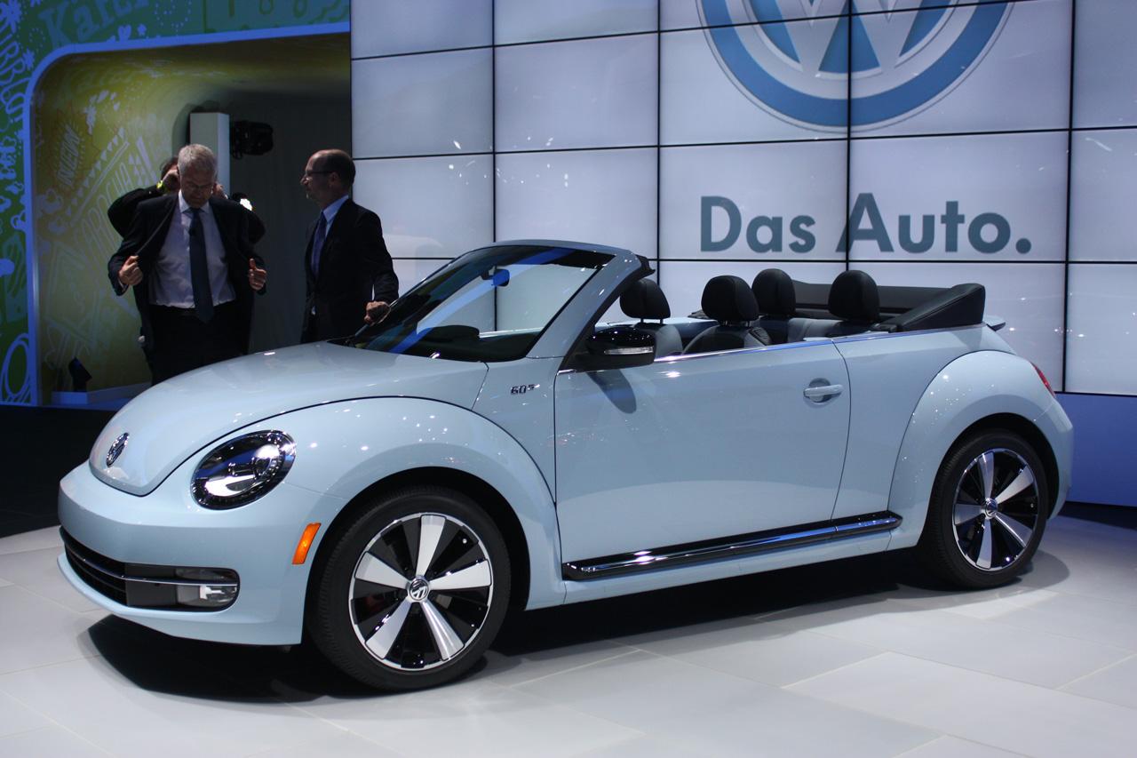 automotiveblogz 2013 volkswagen beetle convertible la 2012 photos. Black Bedroom Furniture Sets. Home Design Ideas
