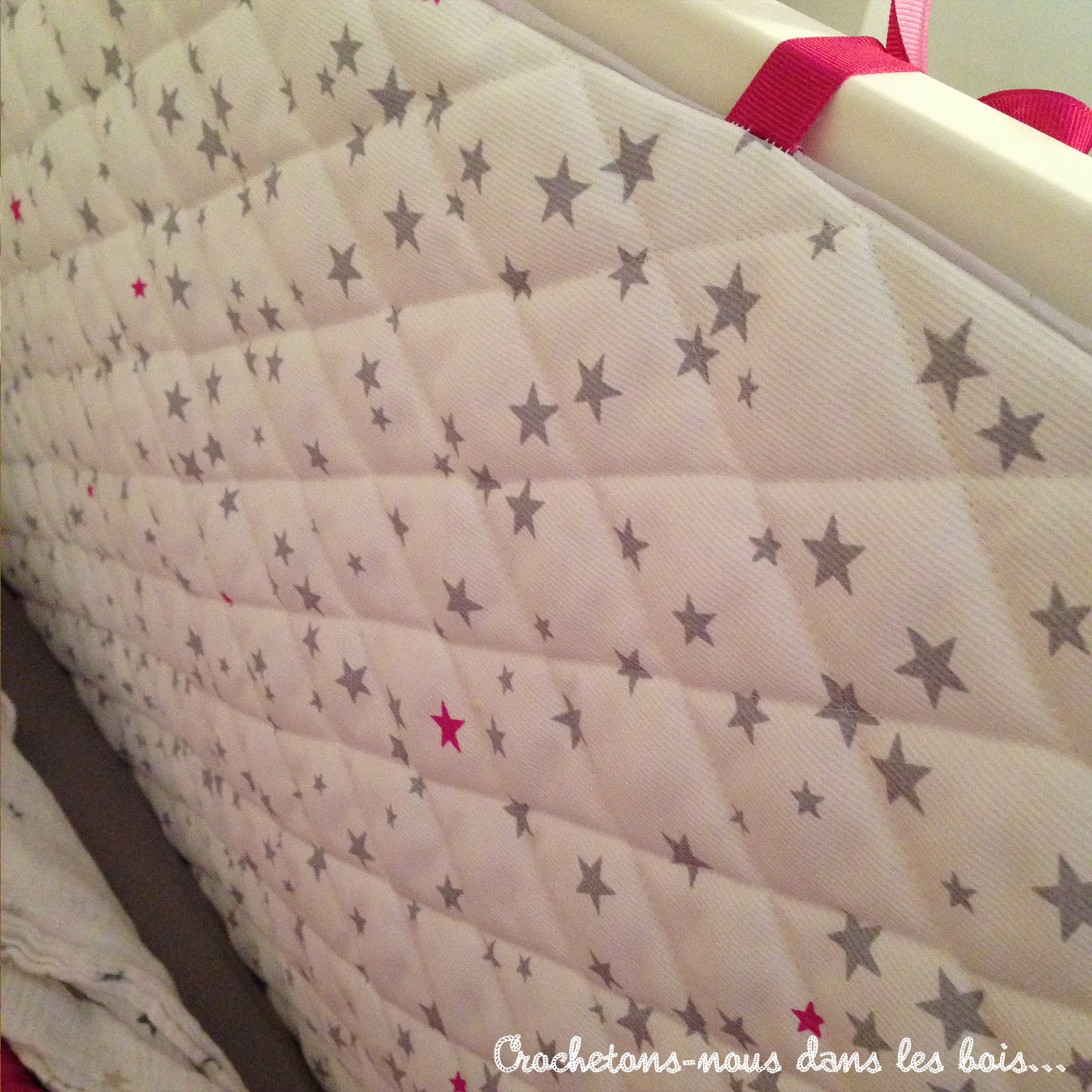 tour de lit en tissu