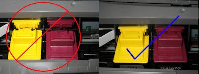 1 - Неправильное расположение картриджей; 2 - правильное расположение картриджей