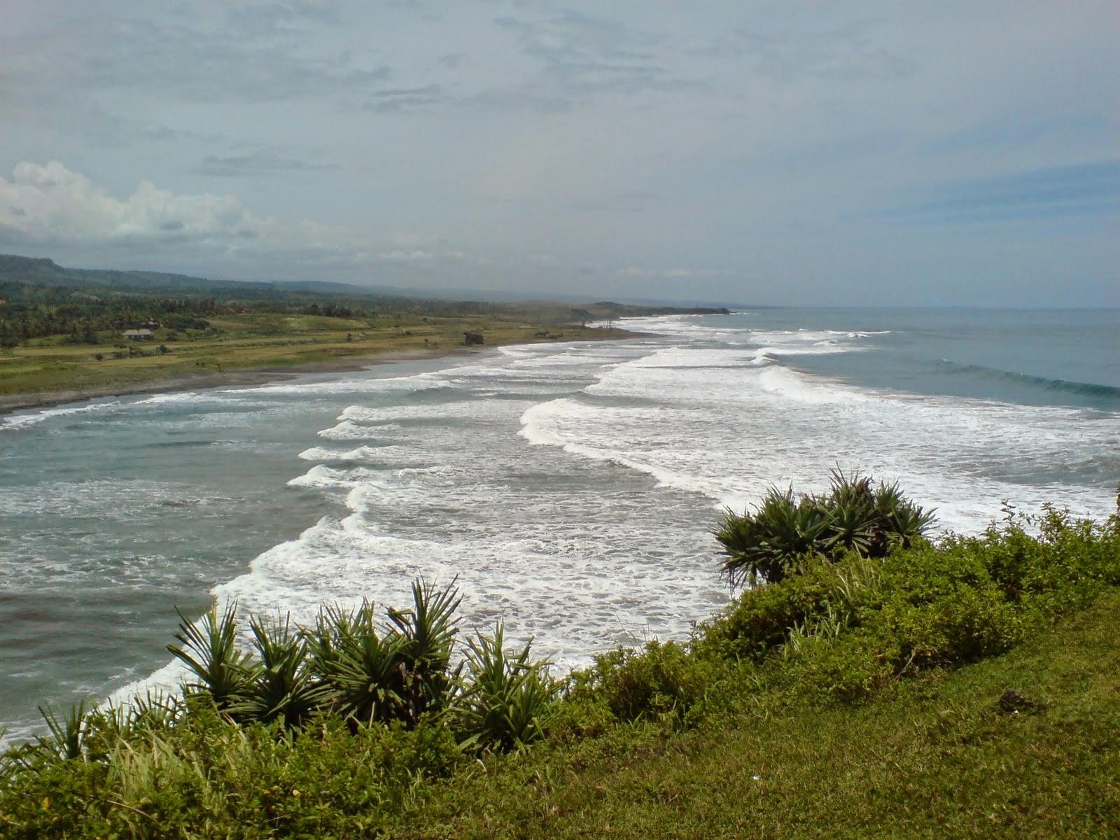 Objek Wisata Pantai Ranca Buaya Garut Jawa Barat