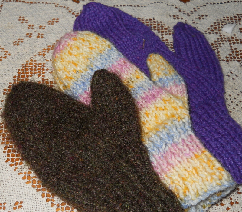 Knitting Pattern For Mittens Using Two Needles : Plain and Joyful Living: Two Needle Mitten Pattern
