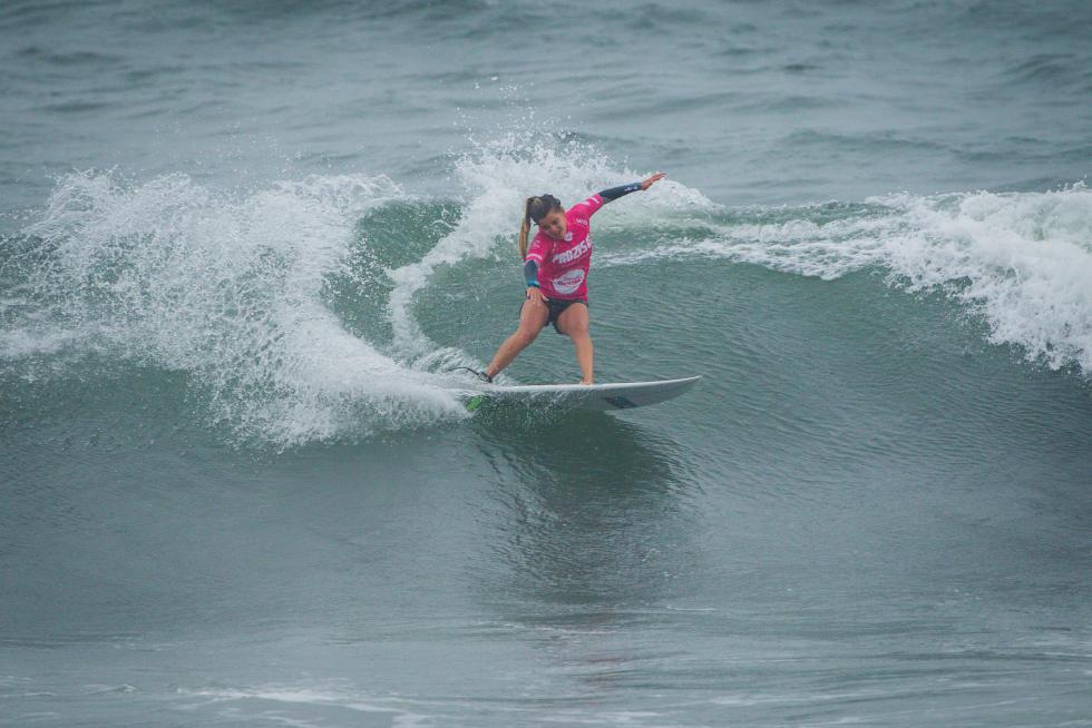16 Carol Henrique PRT Prozis Pro Junior Espinho Foto WSL Damien Poullenot
