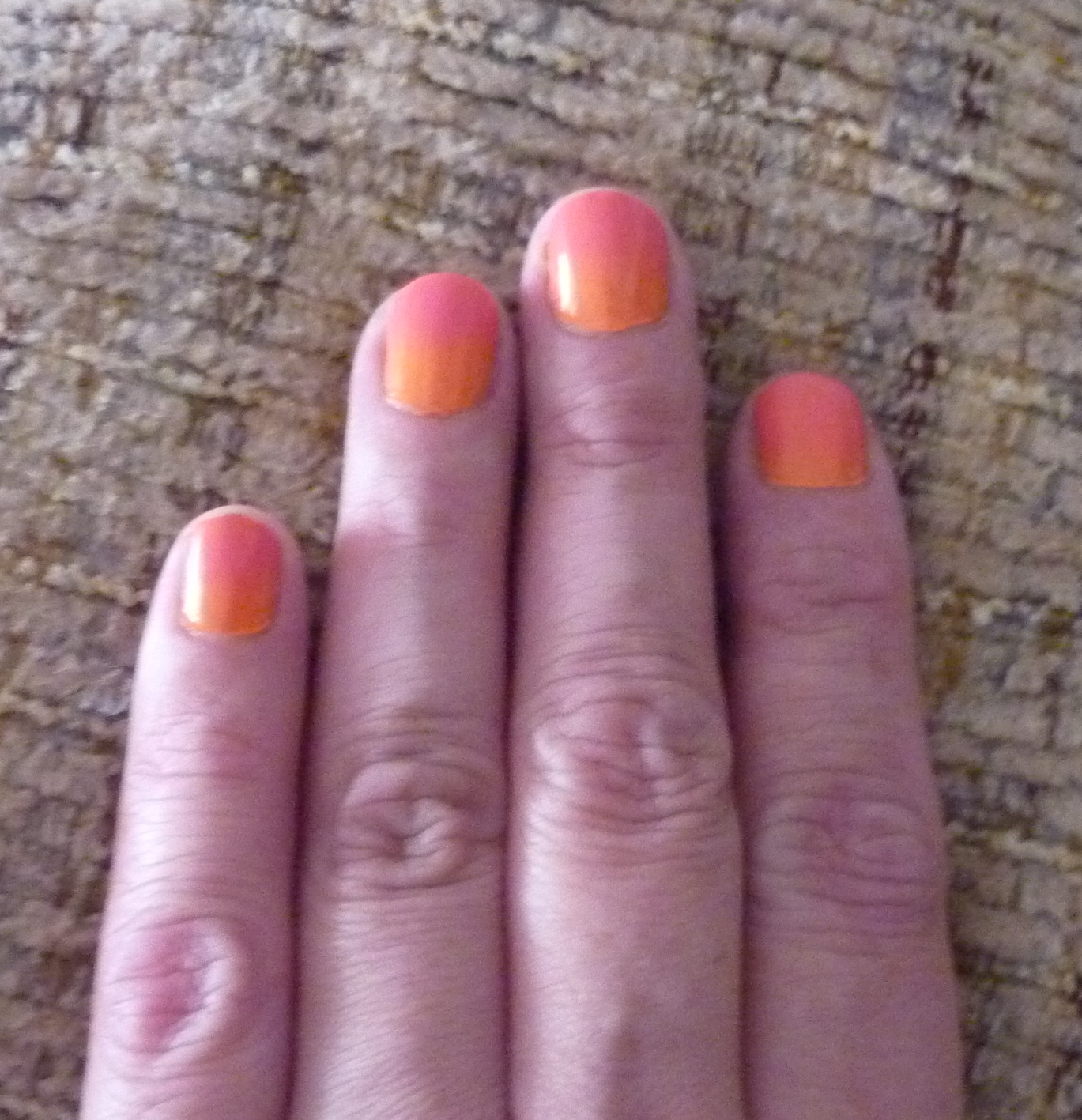 Orange/pink gradient nails! - themakeupnut