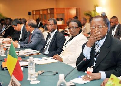 Embaixadores e organizações internacionais reunidos três horas em Bissau