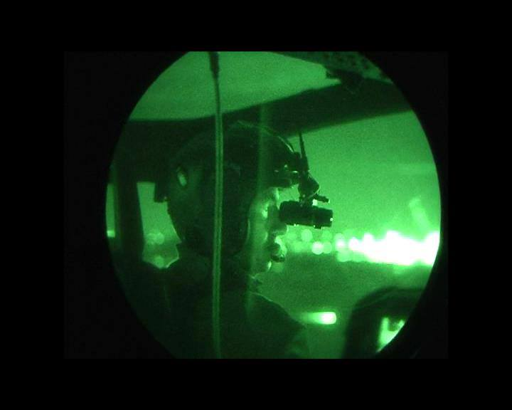 O Informante  Esquadrão usa óculos de visão noturna para resgate em ... 90b477d53f