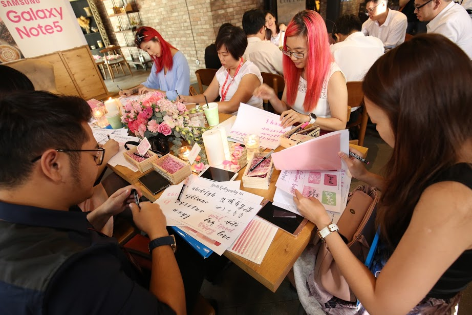 Galaxy Note5 Pink Gold In Malaysia And Calligraphy Writing