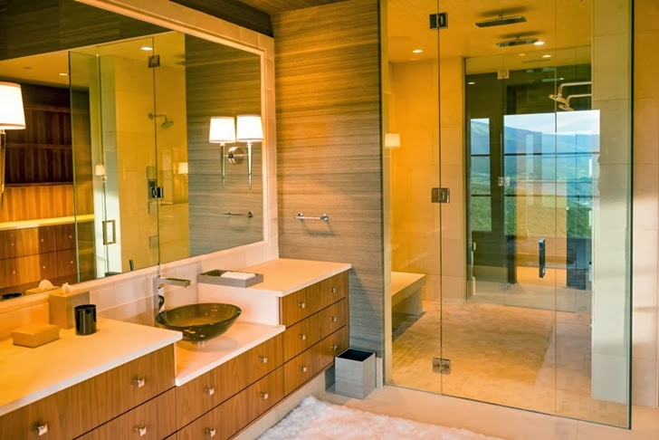 Bathroom in Modern mountain house in Aspen, Colorado