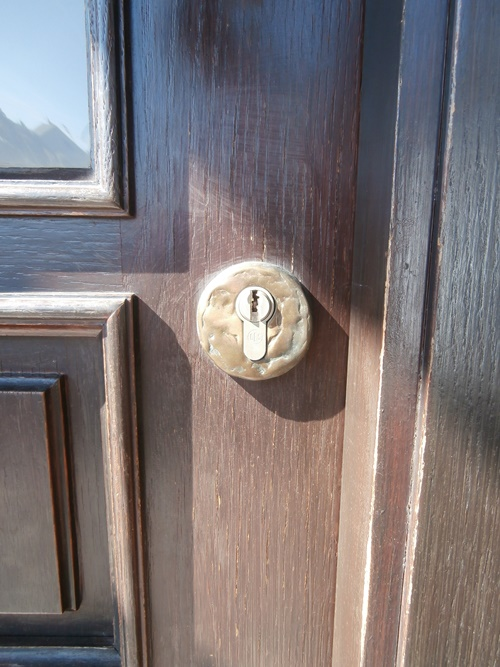 Haustür Schlüsselloch