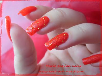 Nail art effet cuir capitonné 3