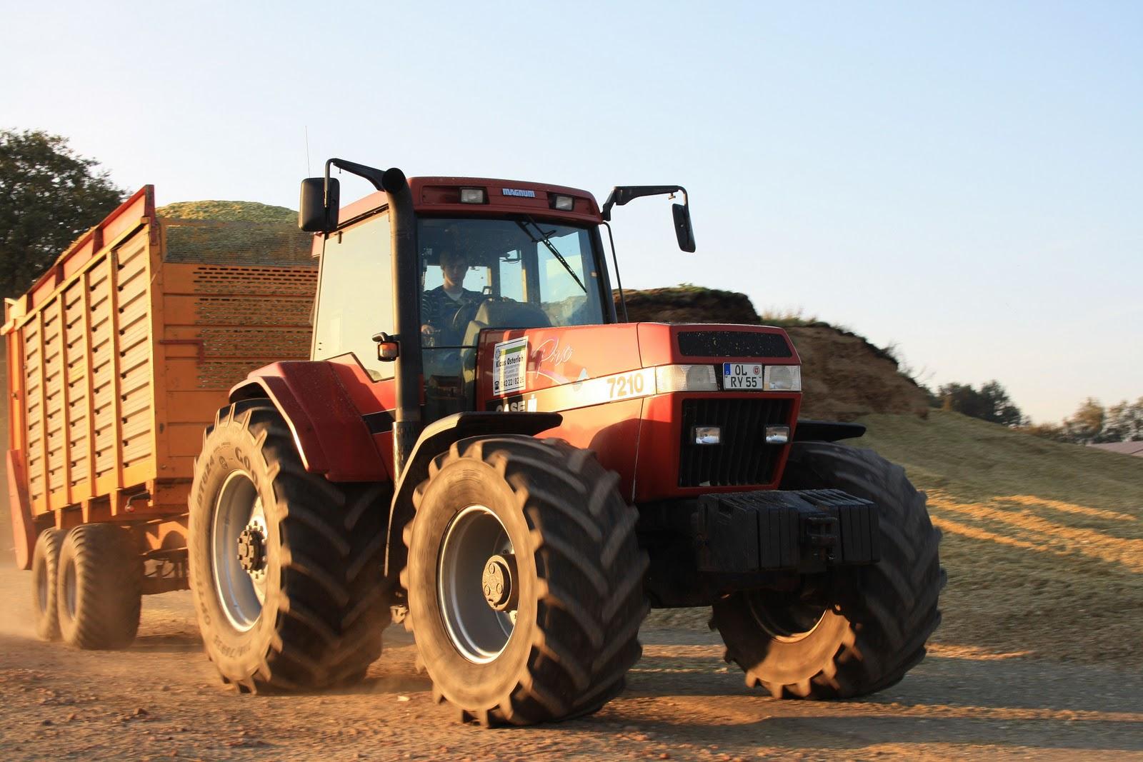 Agrar fotografie das rote silo case ih traktoren im for Fotografie case