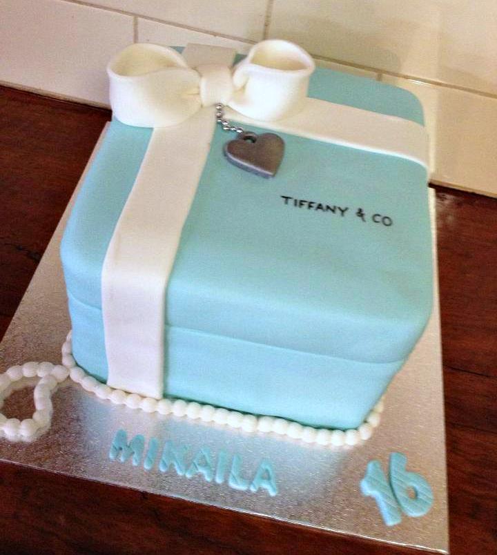tiffany co gift box heart cake