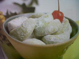 Resep dan Cara Membuat Kue Kering Putri Salju Pandan