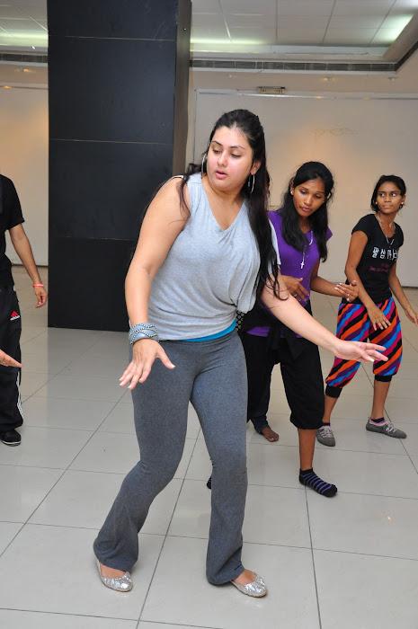 namitha dance reharsal glamour  images