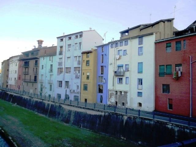 Río Vero a su paso por Barbastro.