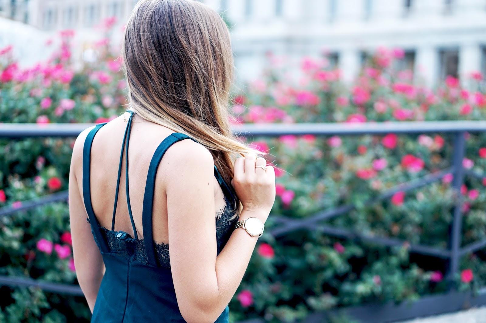 robe dos nu bretelles croisées