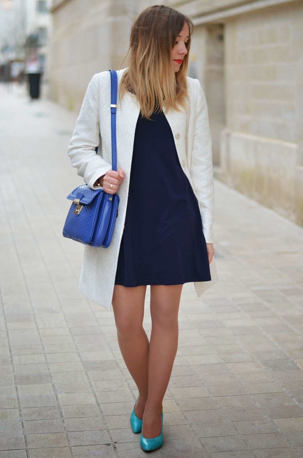 Manteau blanc brocard