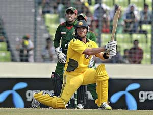 Shane Watson photo,  Shane Watson world record, Shane Watson hits sixes in odi, most number of sixes video, Shane Watson cricket world record,