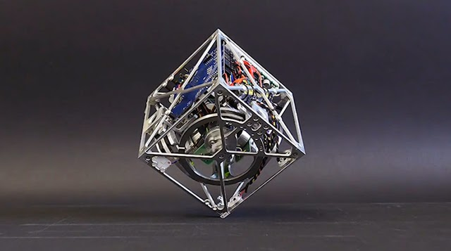 El Cubli: un cubo que puede saltar y Balance
