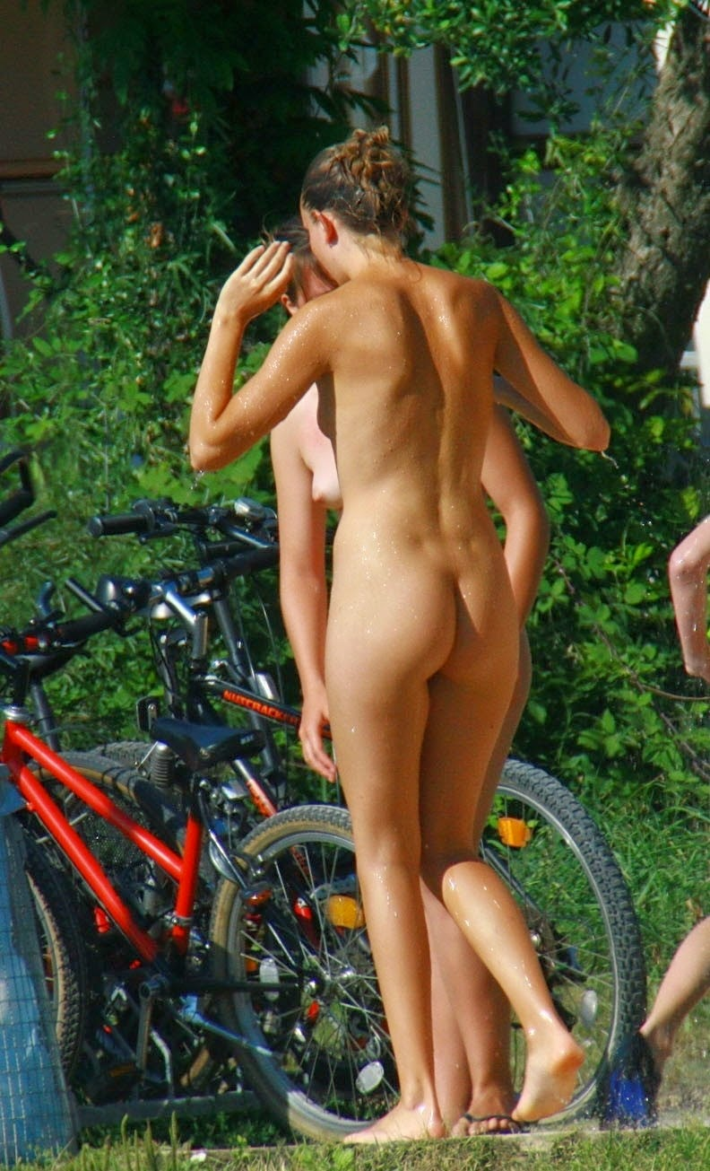 Can suggest family nudist naturists