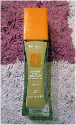 Rimmel Wake Me Up Foundation Colour 100, Ivory