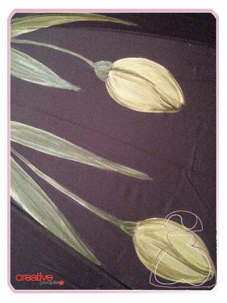 Paraguas pintado a mano por Sylvia Lopez Morant modelo Tulipanes Nacarados