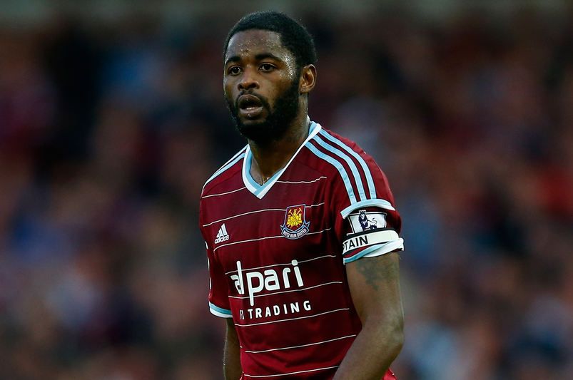 West Ham Segera Permanenkan Alex Song
