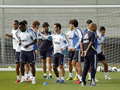 Carvalho with his teammates training in Madrid