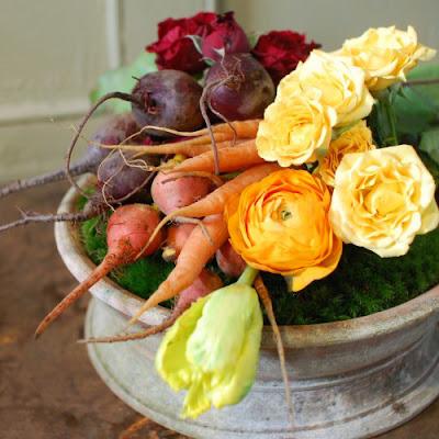 Cắm Hoa Và Rau Củ Quả