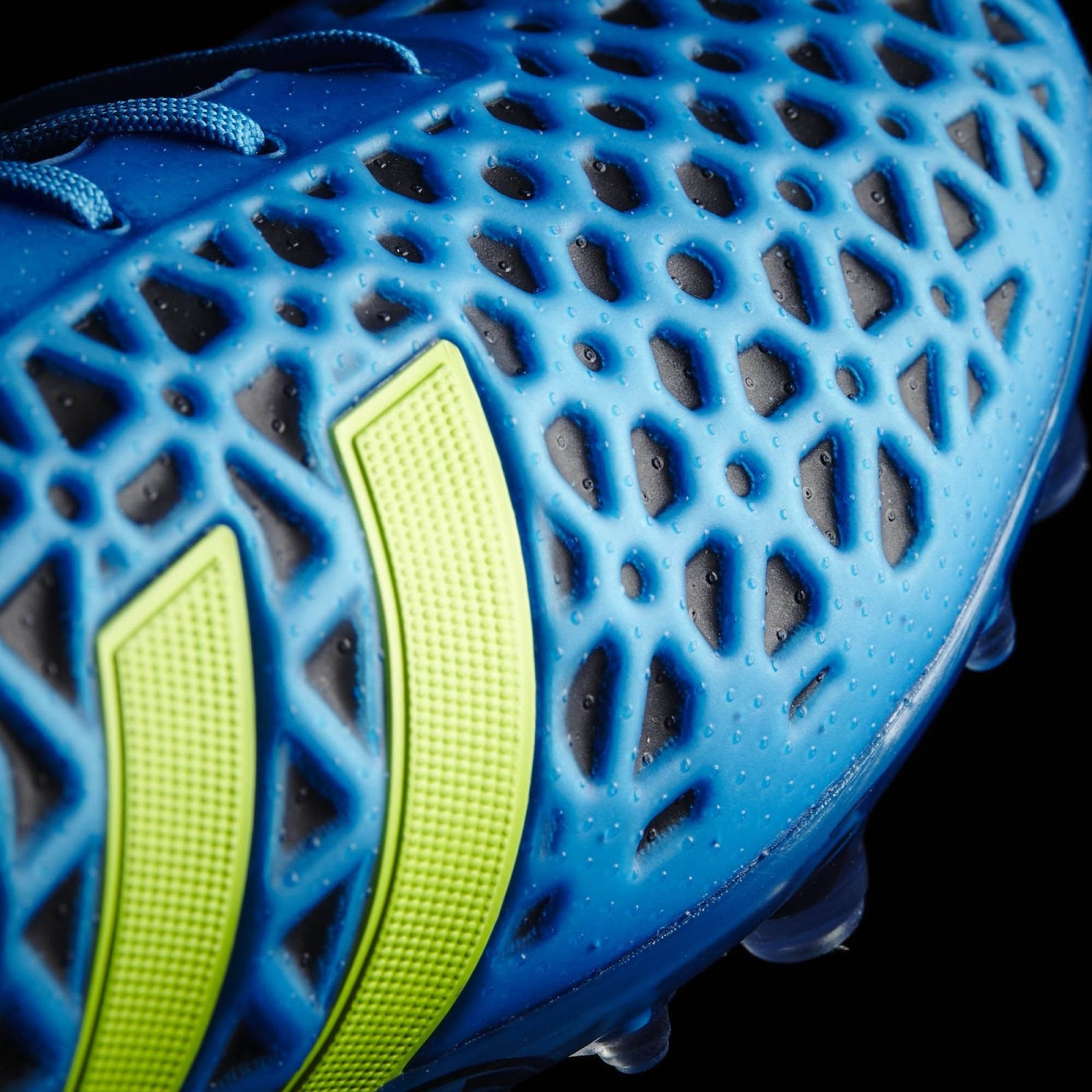 e2ced0ffe new adidas football boots 2015