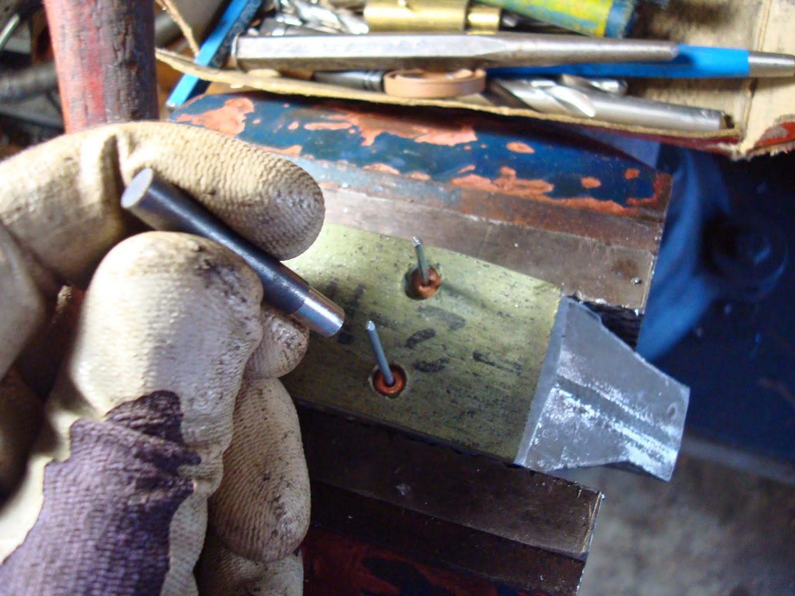 Brake Pad Riveting Tool : Scottie s workshop replacing brake shoe linings on a bmw