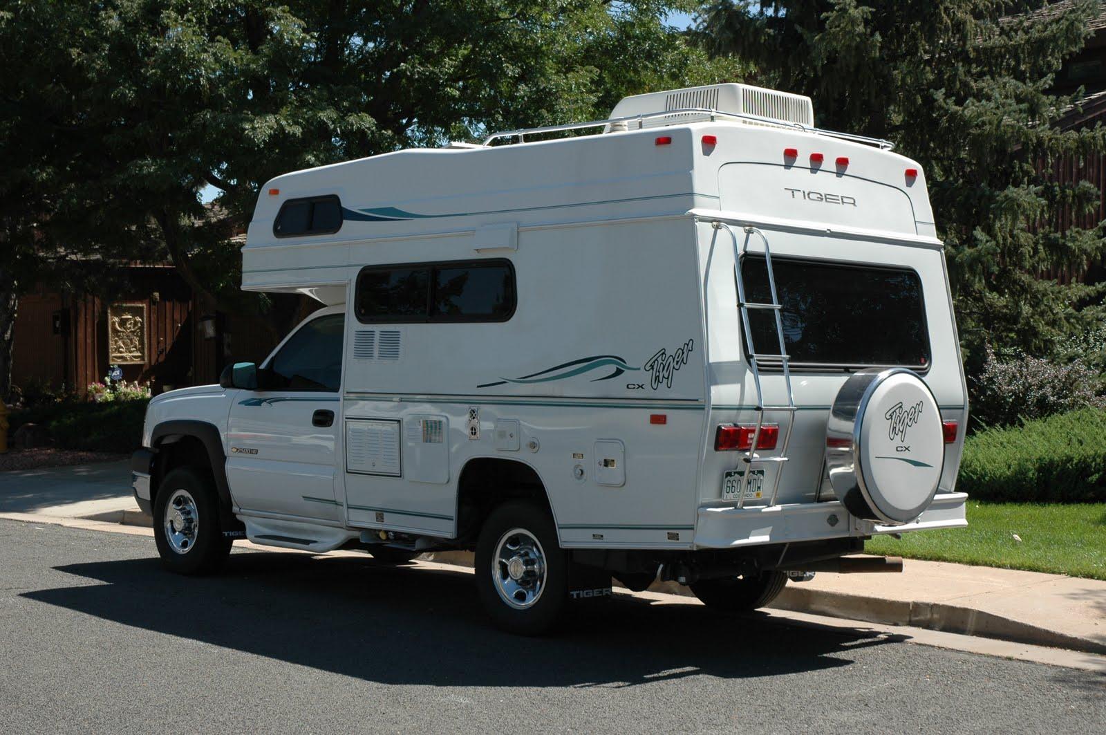 Simple Cool Rvs Rv Manufacturers Vintage Caravans Rv Camping Happy Campers