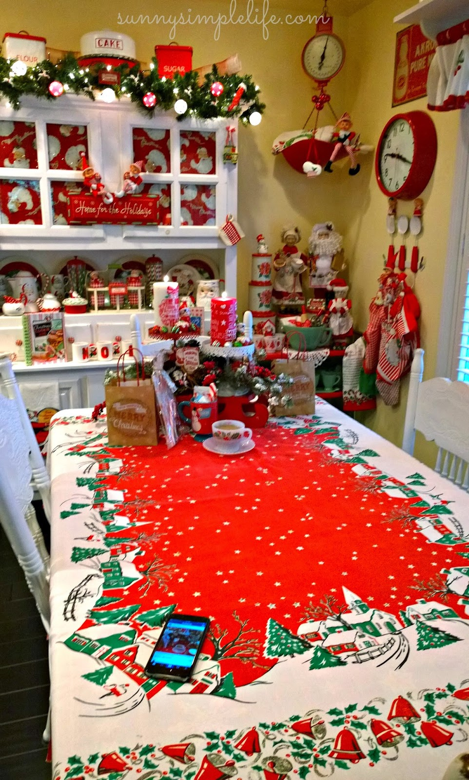 Sunny simple life cozy cottage christmas tour part one for Vintage christmas craft supplies